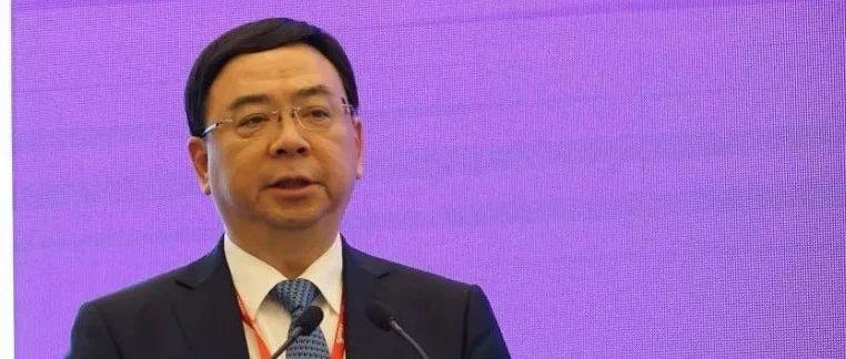 校友王宝成出席2019CSCO肿瘤免疫治疗高峰论坛作主题报告