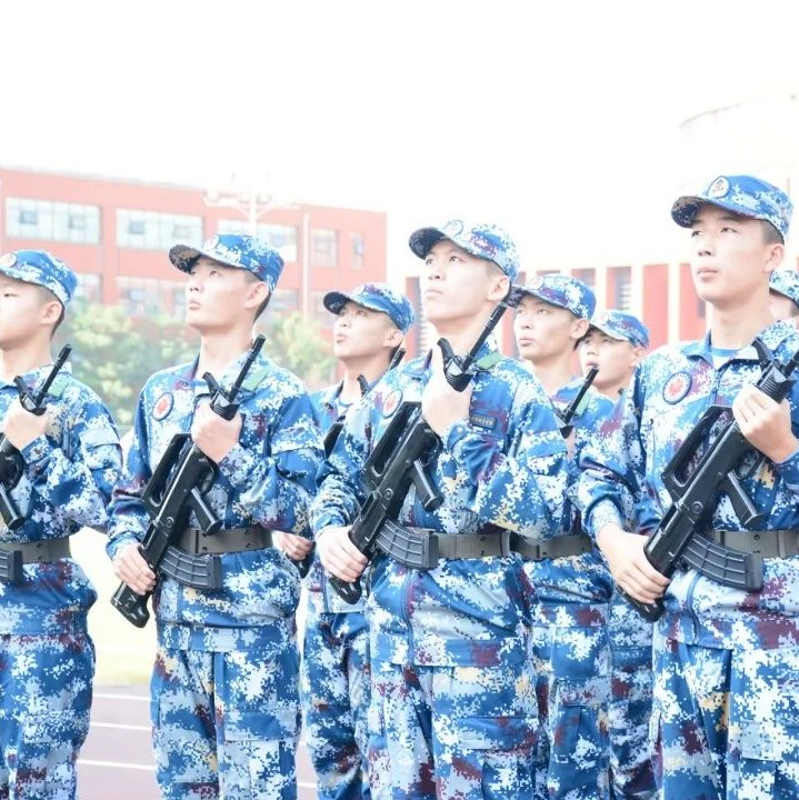 搏击长空心向党,使命铸就蓝天魂 ——山东省实验中学西校区师生代表参加中国空军70周年航空开放活动